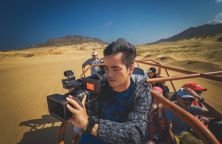 Trên đồi cát
