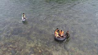 Cõng chữ qua sông
