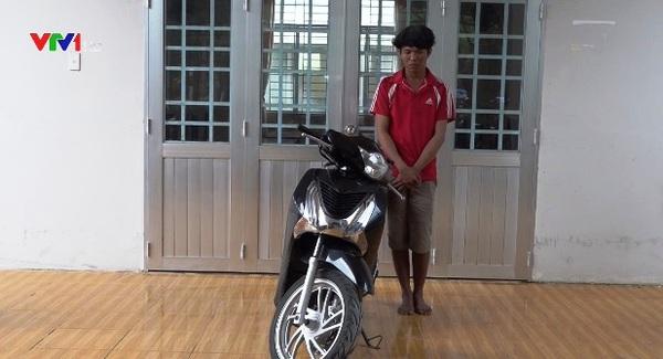 Hậu Giang: Tạm giữ hình sự đối tượng cướp xe máy vào ban đêm
