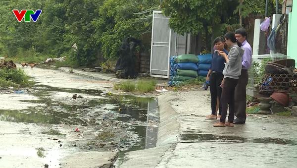 Nước thải từ những cơ sở sản xuất bún tại địa phương xả thẳng ra môi trường. Đáng nói hơn, dù đã phản ánh nhiều lần, cơ quan chứ