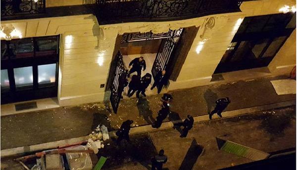 Cướp trang sức trị giá 4 triệu Euro giữa thủ đô Paris, Pháp - ảnh 1