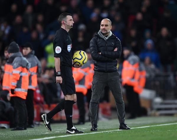 Vẫn cay cú vì thua Liverpool, Man City đâm đơn khiếu nại