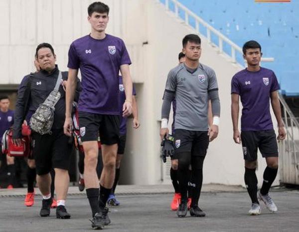 """U23 Việt Nam sắp đụng """"sếu vườn"""" 1m99 của U23 Thái Lan"""