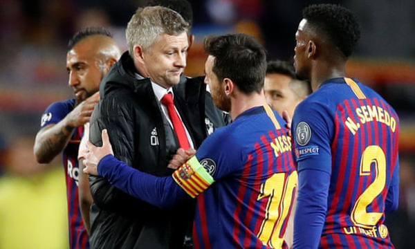 Man Utd thảm bại trước Barcelona: Đừng trách De Gea, hãy