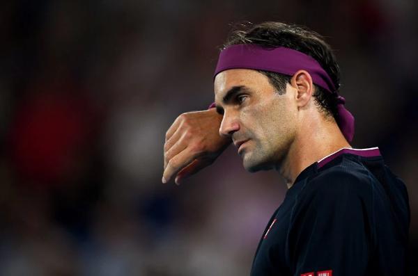 Federer sau phẫu thuật chấn thương: Tăng tốc trở lại hay dừng lại thôi Tàu tốc hành?