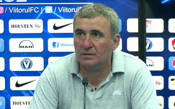 Huyền thoại bóng đá Rumani… tự sa thải mình!