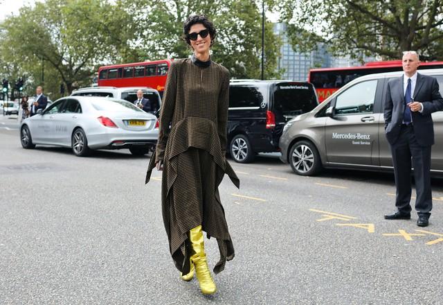 Tăm tia thời trang đường phố London cực chất và cá tính - Ảnh 4.
