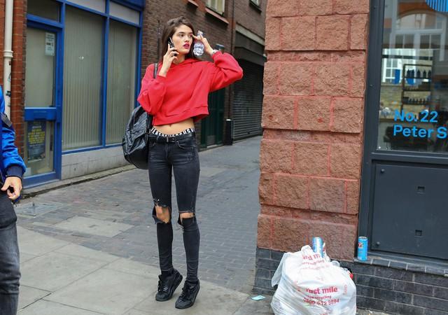 Tăm tia thời trang đường phố London cực chất và cá tính - Ảnh 7.