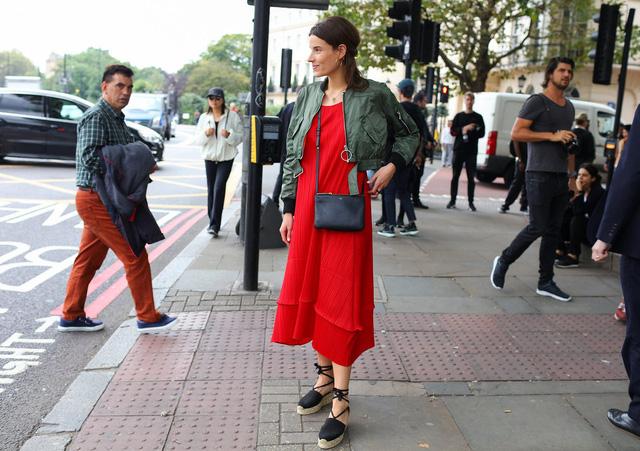 Tăm tia thời trang đường phố London cực chất và cá tính - Ảnh 9.