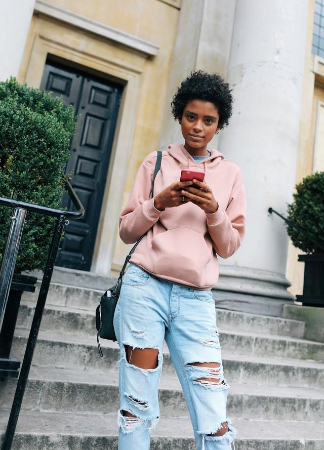 Tăm tia thời trang đường phố London cực chất và cá tính - Ảnh 10.