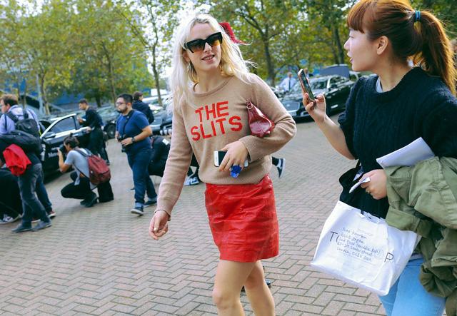 Tăm tia thời trang đường phố London cực chất và cá tính - Ảnh 11.