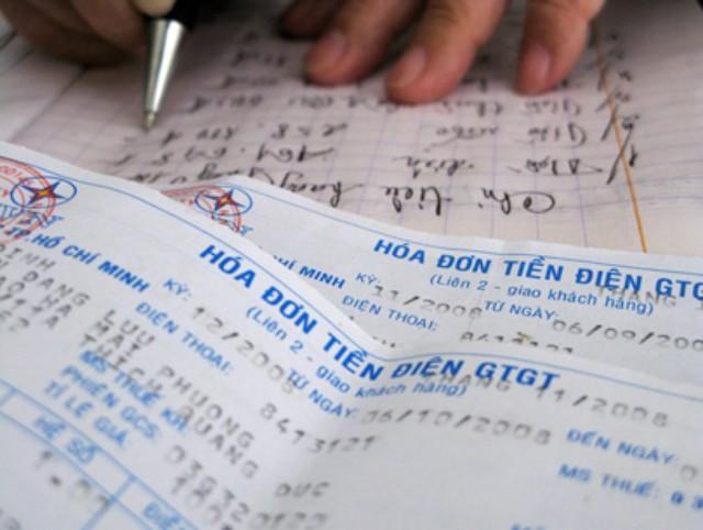 Khách hàng cần làm gì khi nhận cuộc gọi đòi nợ tiền điện? - Ảnh 2.