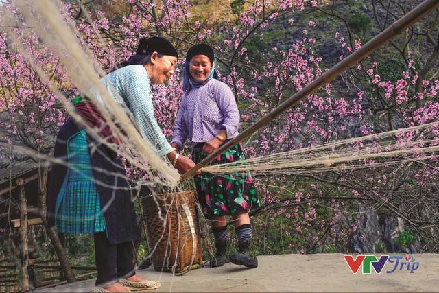 Việt Nam hiện lên đầy cuốn hút qua triển lãm ảnh Nụ cười Việt Nam - Ảnh 1.