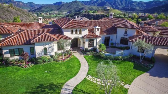 """Những căn biệt thự đẹp như mơ bị các sao Hollywood """"vứt bỏ"""" - Ảnh 11."""
