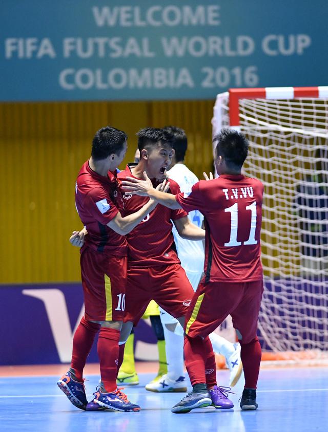 Ảnh: Những khoảnh khắc ấn tượng trong chiến thắng 4-2 của ĐT futsal Việt Nam trước Guatemala - Ảnh 8.