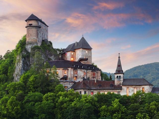Những lâu đài có kiến trúc đẹp như trong truyện cổ tích - Ảnh 10.