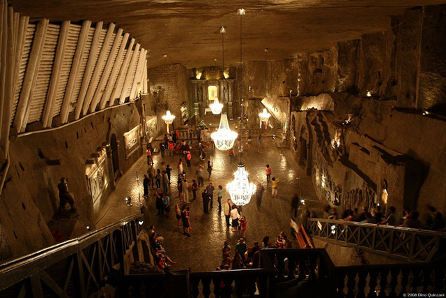Những kiến trúc đẹp nhất thế giới nằm dưới lòng đất - Ảnh 10.