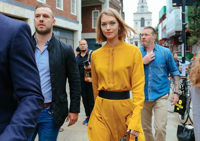 Tăm tia thời trang đường phố London cực chất và cá tính - Ảnh 13.