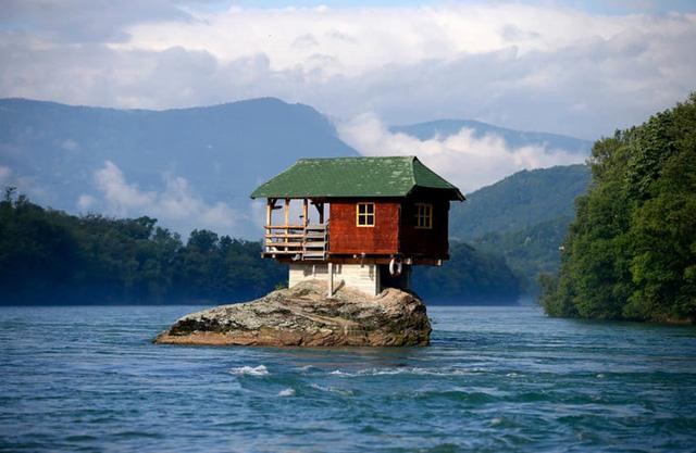 Những ngôi nhà lạ lùng nhất trên trái đất mà bạn chưa từng thấy - Ảnh 10.