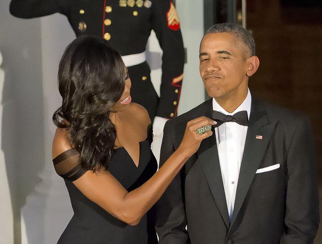 Chuyện tình ngọt ngào của Tổng thống Obama qua ảnh - Ảnh 28.
