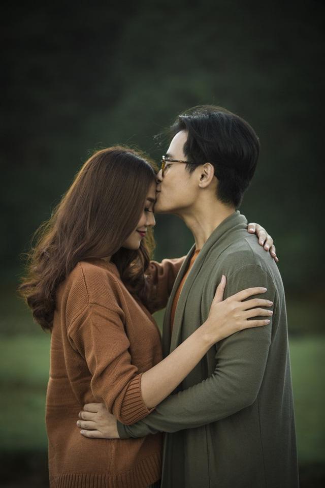 GK Vietnams Next Top Model Thanh Hằng tình tứ với Hà Anh Tuấn trong MV mới - Ảnh 1.