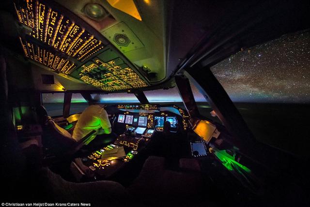 Thiên nhiên đẹp kinh ngạc qua góc nhìn của phi công - Ảnh 11.