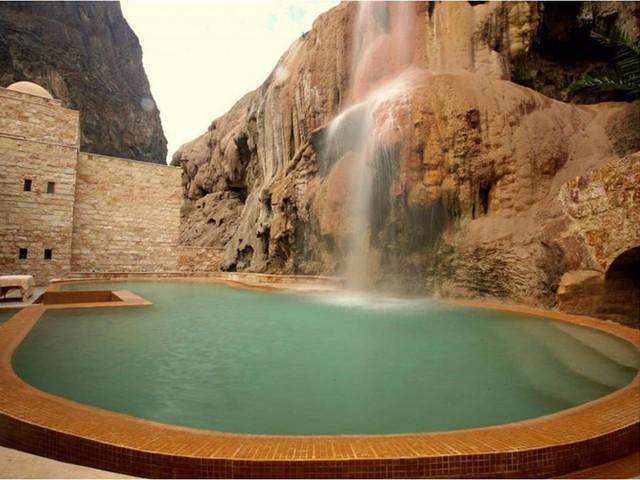 Những khách sạn có hồ bơi ấn tượng nhất hành tinh - Ảnh 3.