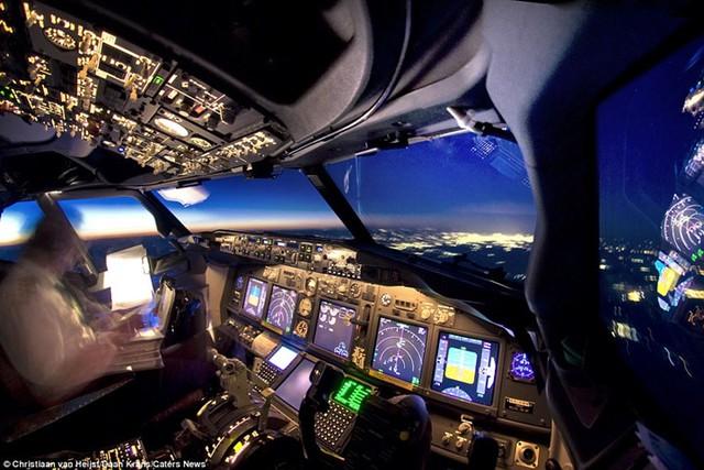 Thiên nhiên đẹp kinh ngạc qua góc nhìn của phi công - Ảnh 12.