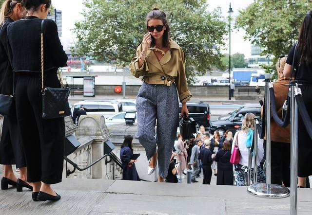 Tăm tia thời trang đường phố London cực chất và cá tính - Ảnh 15.