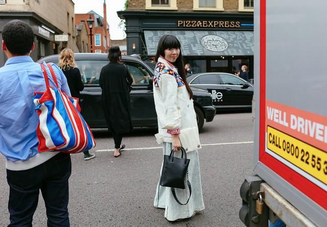 Tăm tia thời trang đường phố London cực chất và cá tính - Ảnh 16.