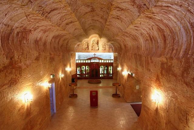 Những kiến trúc đẹp nhất thế giới nằm dưới lòng đất - Ảnh 13.