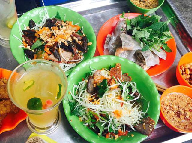 Khám phá thiên đường ẩm thực xung quanh phố đi bộ Hồ Hoàn Kiếm - Ảnh 1.