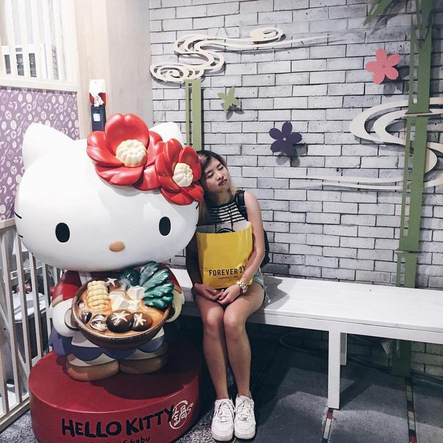 Khám phá nhà hàng Hello Kitty siêu dễ thương ở Đài Loan - Ảnh 6.