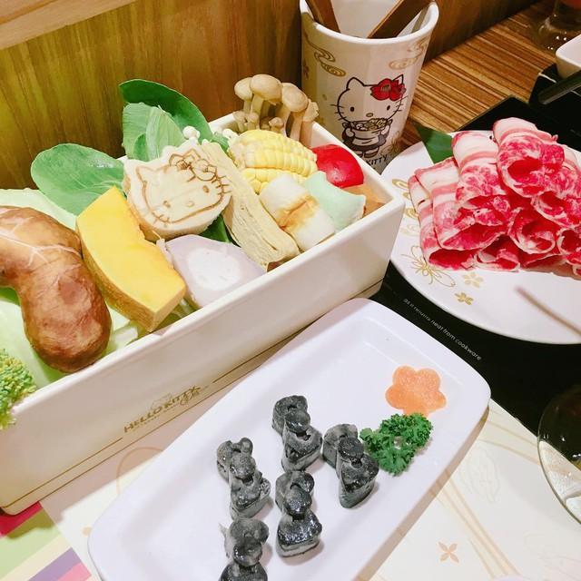 Khám phá nhà hàng Hello Kitty siêu dễ thương ở Đài Loan - Ảnh 9.