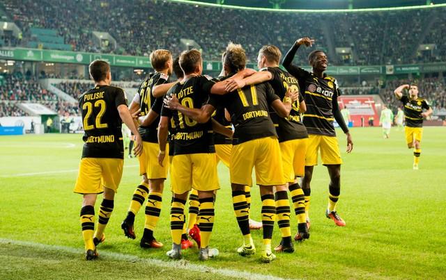 VIDEO, Wolfsburg 1-5 Dortmund: Thắng ấn tượng, tạm chiếm ngôi đầu! - Ảnh 1.