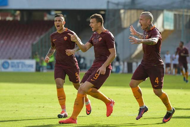 VIDEO, Napoli 1-3 AS Roma: Dzeko lập cú đúp, Roma thắng trận thứ 3 liên tiếp - Ảnh 1.