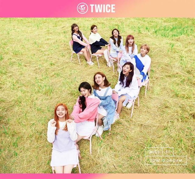 Nhóm Twice gây sốt với MV mới - Ảnh 1.