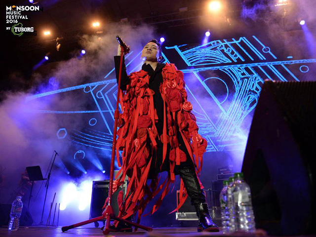 Monsoon Music Festival 2016: Tùng Dương gây ấn tượng mạnh với Rễ cây - Ảnh 1.