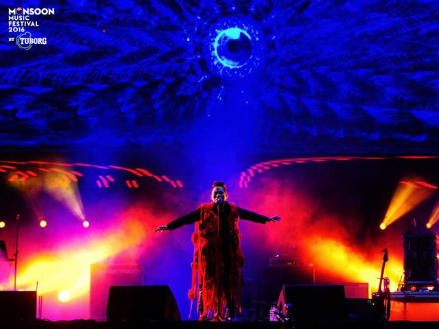 Monsoon Music Festival 2016: Tùng Dương gây ấn tượng mạnh với Rễ cây - Ảnh 2.