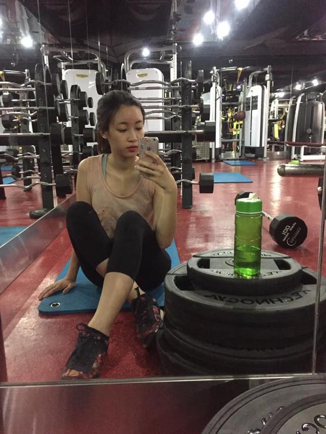 Ngắm ảnh đời thường mộc mạc khó tin của Hoa hậu Việt Nam 2016 - Ảnh 7.