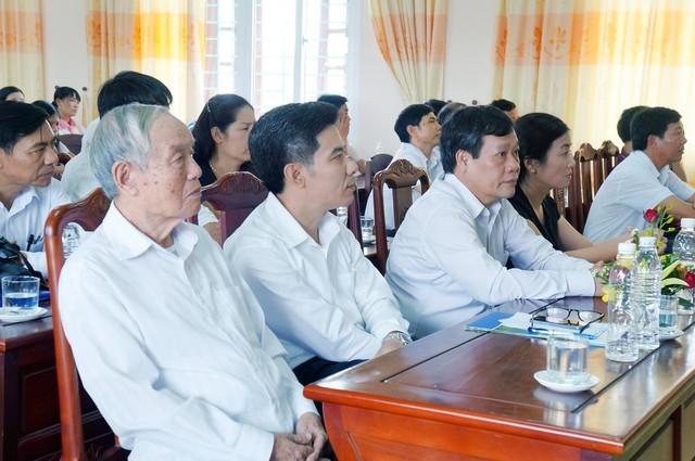 Học bổng Niềm Tin Việt mang hy vọng tới học sinh nghèo tại Hoằng Hóa – Thanh Hóa - Ảnh 1.