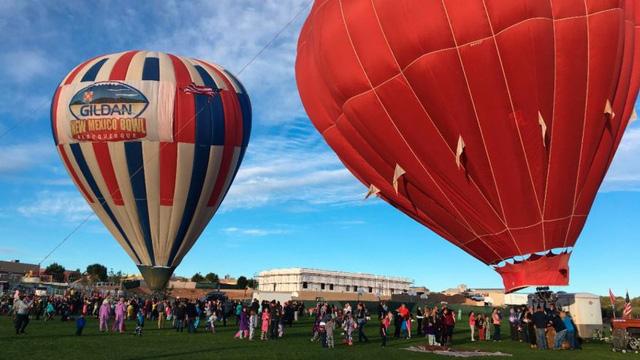 Những hình ảnh đẹp trong lễ hội khinh khí cầu tại New Mexico - Ảnh 1.