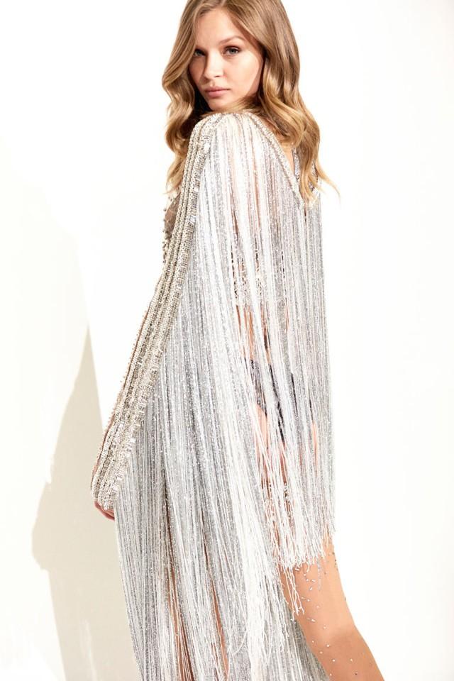 Sau thiết kế triệu đô, Victoria Secret tiết lộ bộ đồ gắn 450.00 viên pha lê - Ảnh 1.