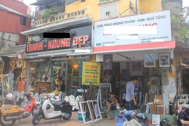 Cư dân biệt thự cổ 65 Nguyễn Thái Học nơm nớp lo sợ sau đám cháy - Ảnh 1.