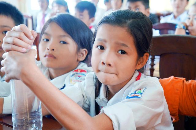 Học bổng Niềm Tin Việt mang hy vọng tới học sinh nghèo tại Hoằng Hóa – Thanh Hóa - Ảnh 3.