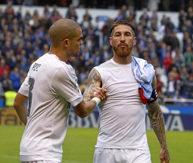 Nhìn lại 9 trung vệ đẳng cấp đá cặp với Pepe suốt 1 thập kỷ ở Real Madrid - Ảnh 9.