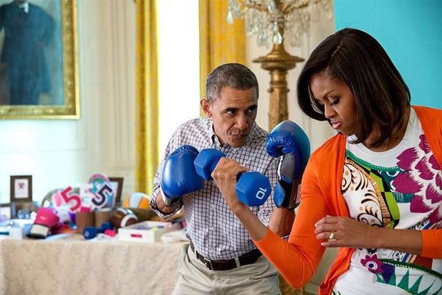 Chuyện tình ngọt ngào của Tổng thống Obama qua ảnh - Ảnh 27.