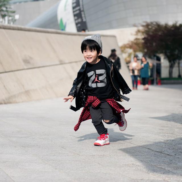 Tuần lễ thời trang Hàn Quốc: Trẻ con chất lừ không thua gì người lớn! - Ảnh 7.