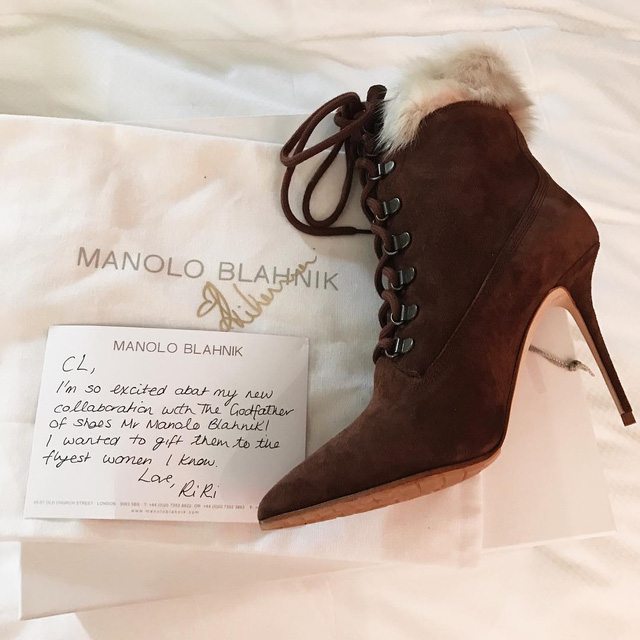 Thành viên nhóm 2NE1 bất ngờ nhận quà từ Rihanna - Ảnh 1.