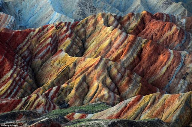 Ngất ngây với những khung cảnh đẹp như tranh vẽ ở Trung Quốc - Ảnh 7.